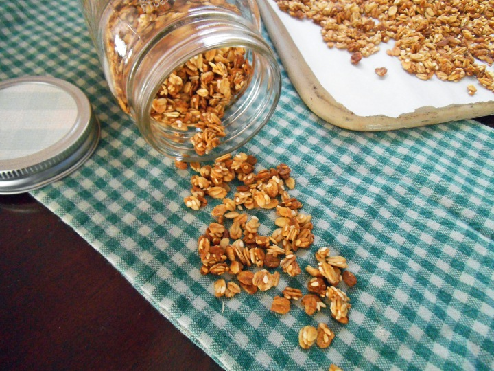 Pear Granola with Ginger and Sesame