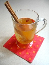 Apple Goji Berry Spiced Cider