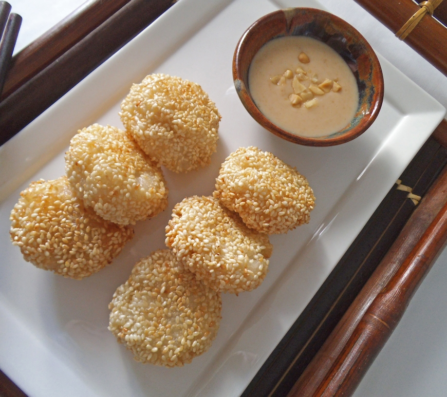 Sticky Rice Cakes with Banana and Sesame Seeds