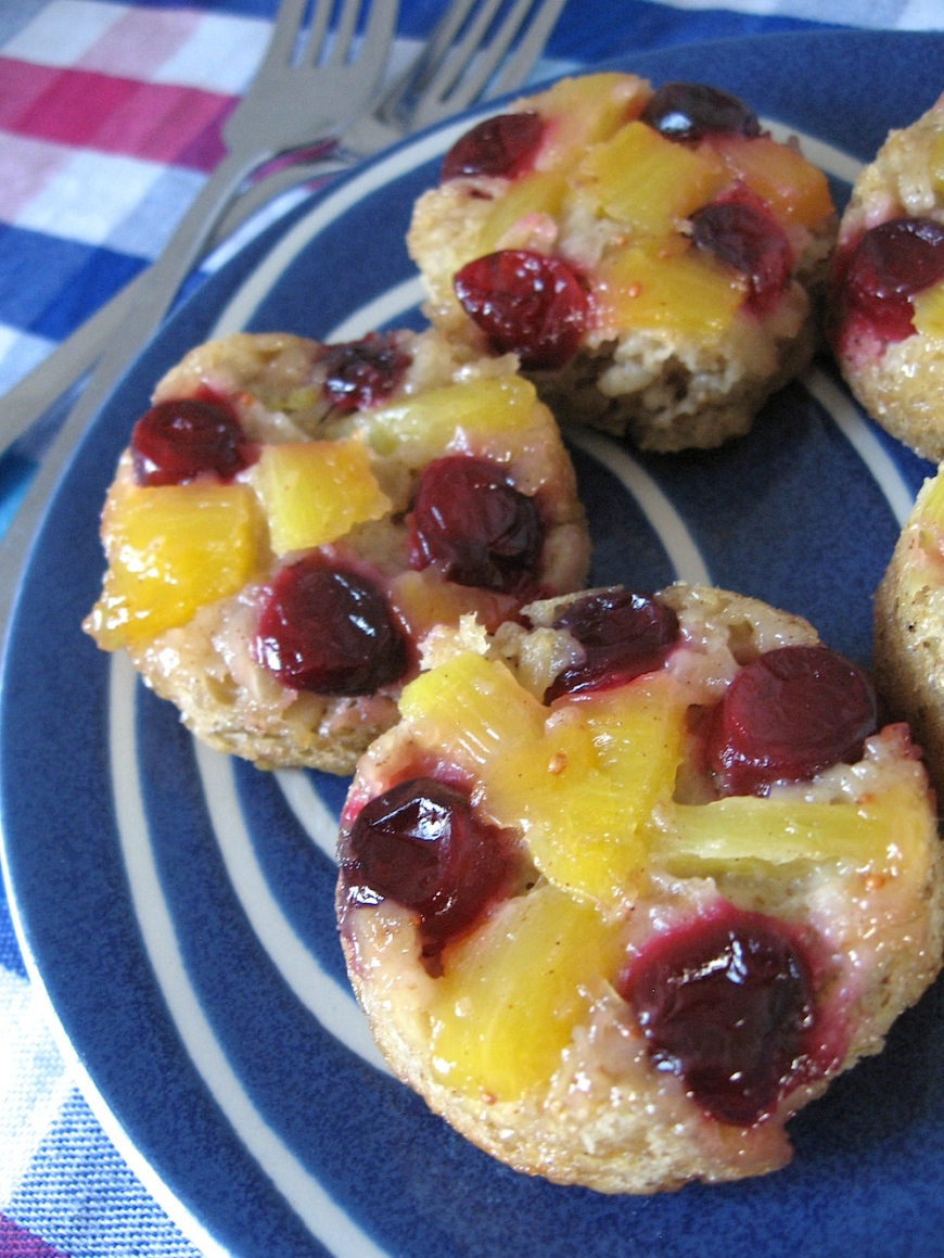 Cranberry Pineapple Upside-Down Baked Oatmeal Cups | Swirls and Spice