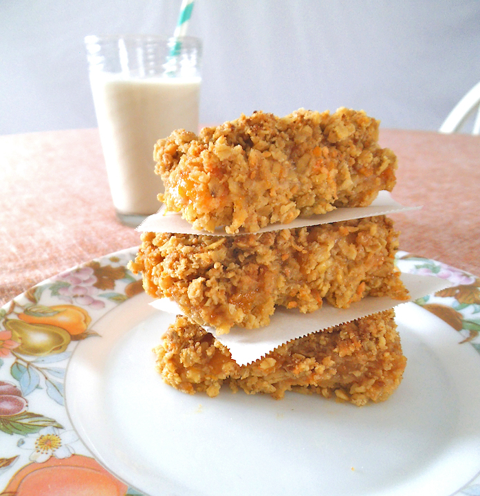 Spiced Peach Oat Bars by Swirls and Spice - Featured at Natural Family Friday