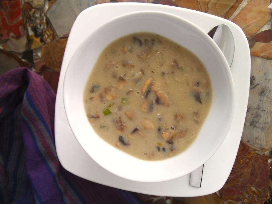 Creamy Mushroom Soup with Cashew Milk | Swirls and Spice