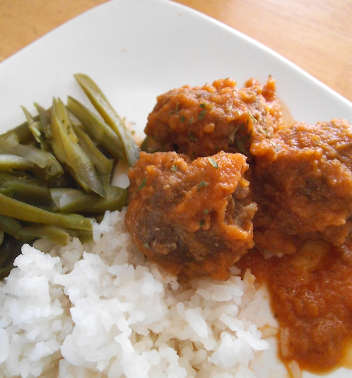 Ultimate Garlic and Onion Meatballs with Roasted Pepper Sauce