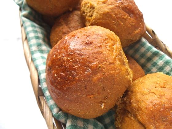 Molasses Brown Bread Buns | Swirls and Spice