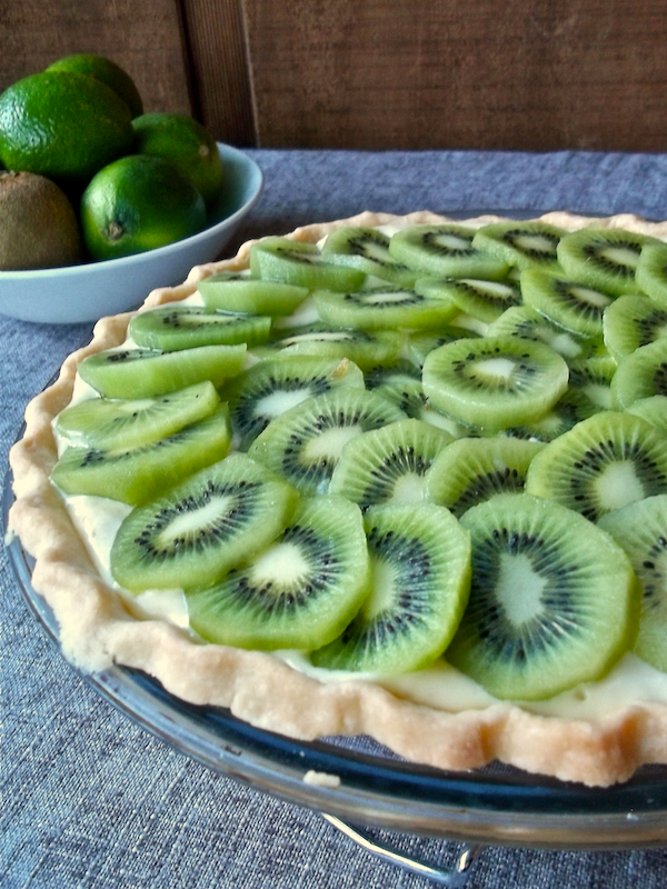 Kiwi Lime Pie | Swirls and Spice | #glutenfree