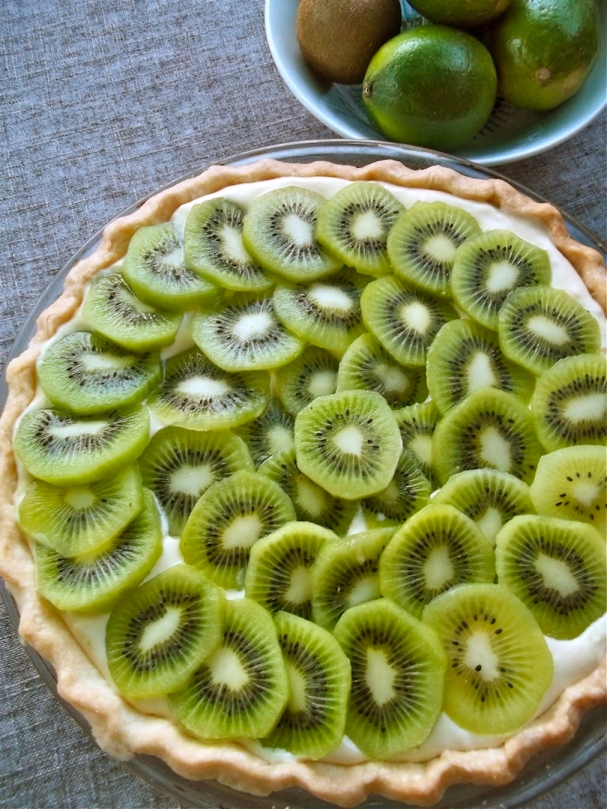 Kiwi Lime Pie | Swirls and Spice