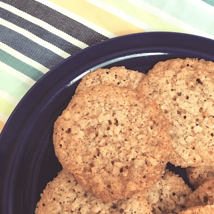 Oatmeal Lace Cookies | Swirls and Spice #glutenfree