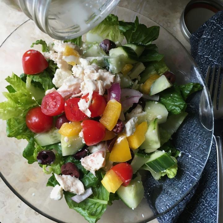 Mason Jar Greek Salad   Swirls and Spice   #grainfree